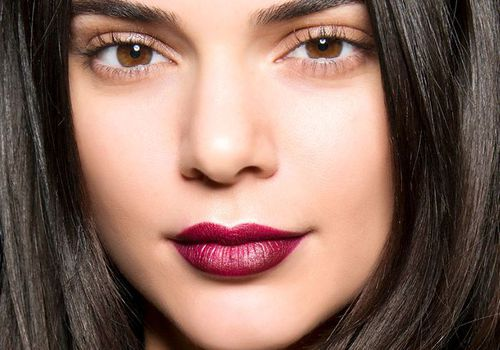 kendall jenner with dark red lipstick