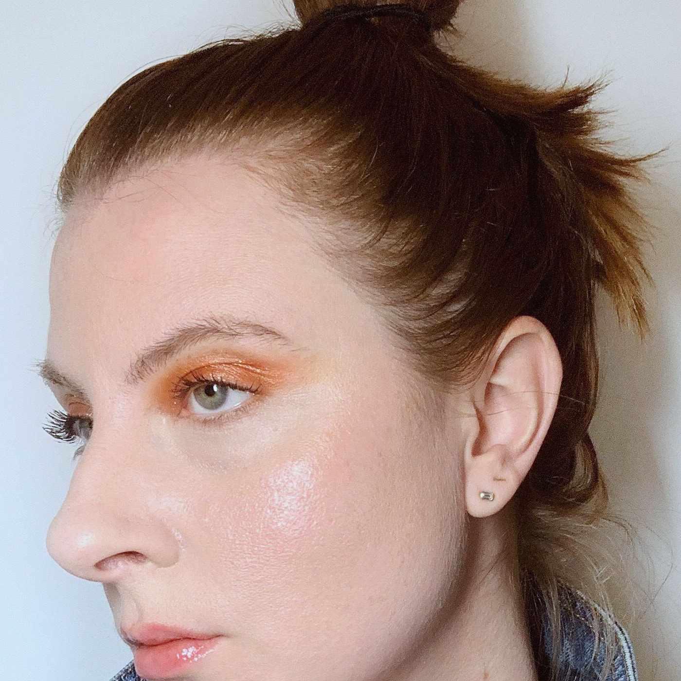 woman wearing subtle orange eyeshadow
