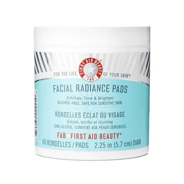 How to exfoliate: First Aid Beauty Facial Radiance Pads