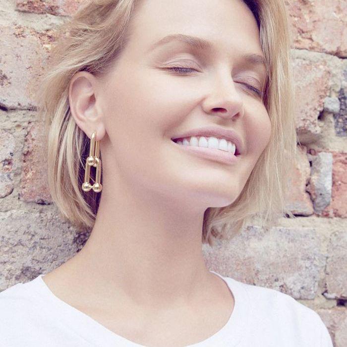 Lipstick Lara Worthington Instagram