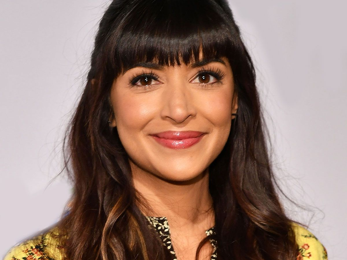 Hannah Simone On Indian Beauty Traditions Her Upcoming