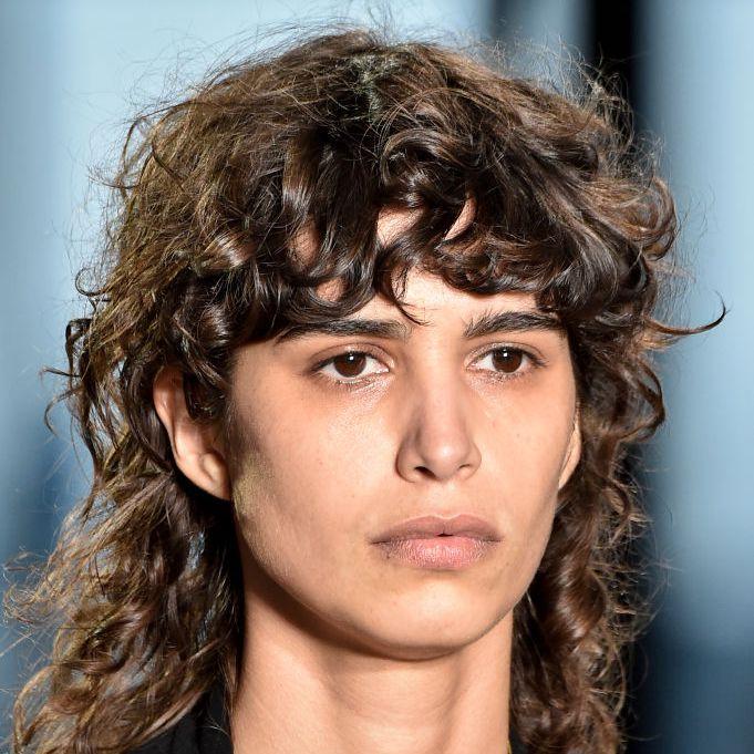 Mica Argañaraz with a modern curly mullet