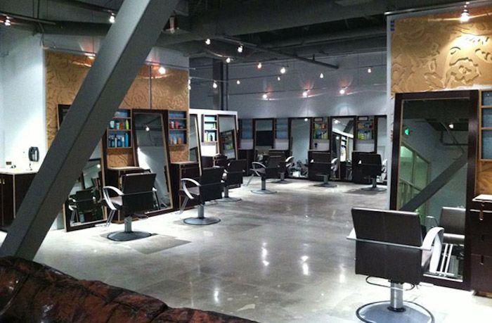 capella salon interior