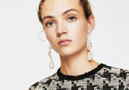 model with strong eyebrows