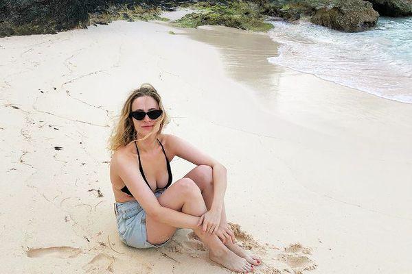 hallie gould editor on beach