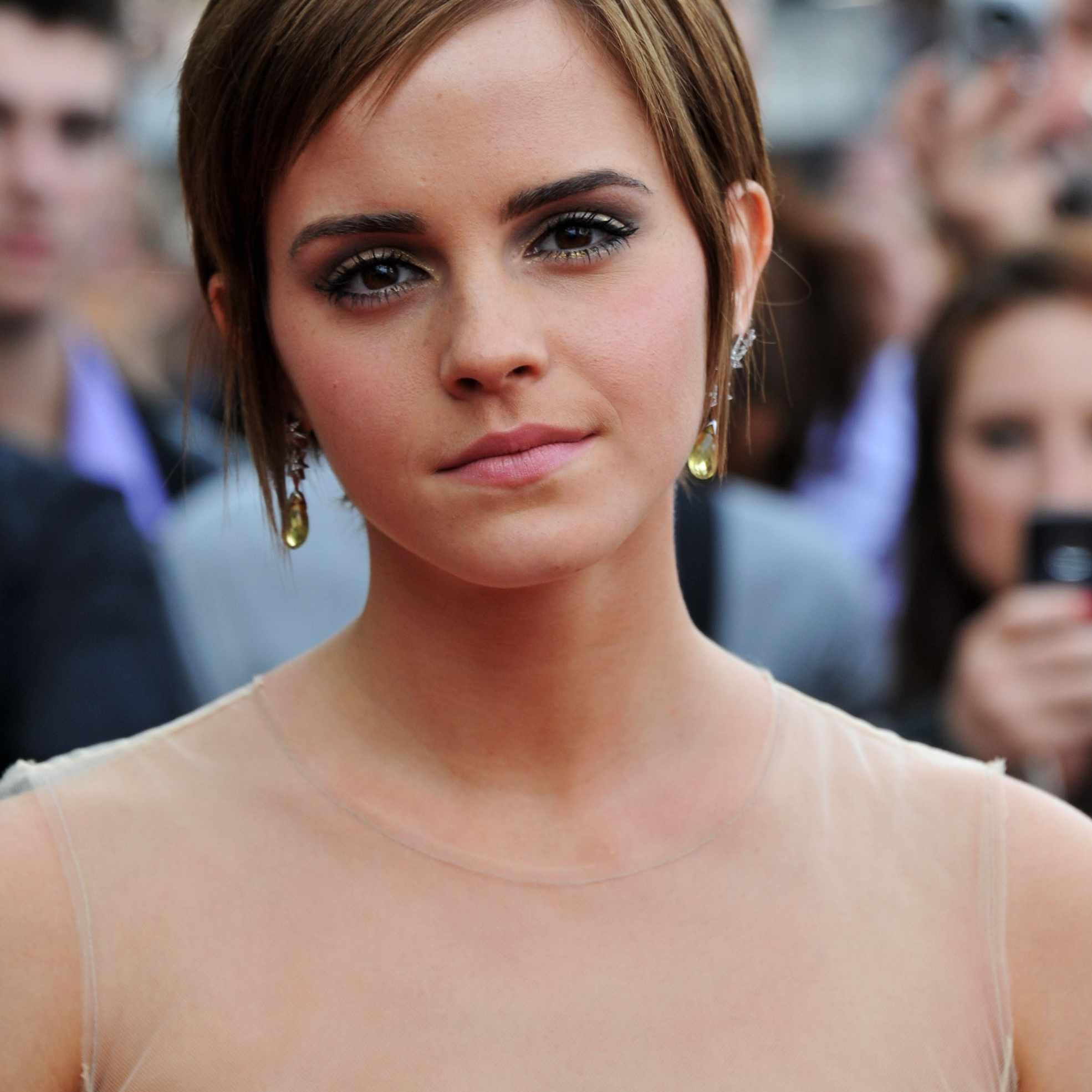 Emma Watson - Long Pixie Cut