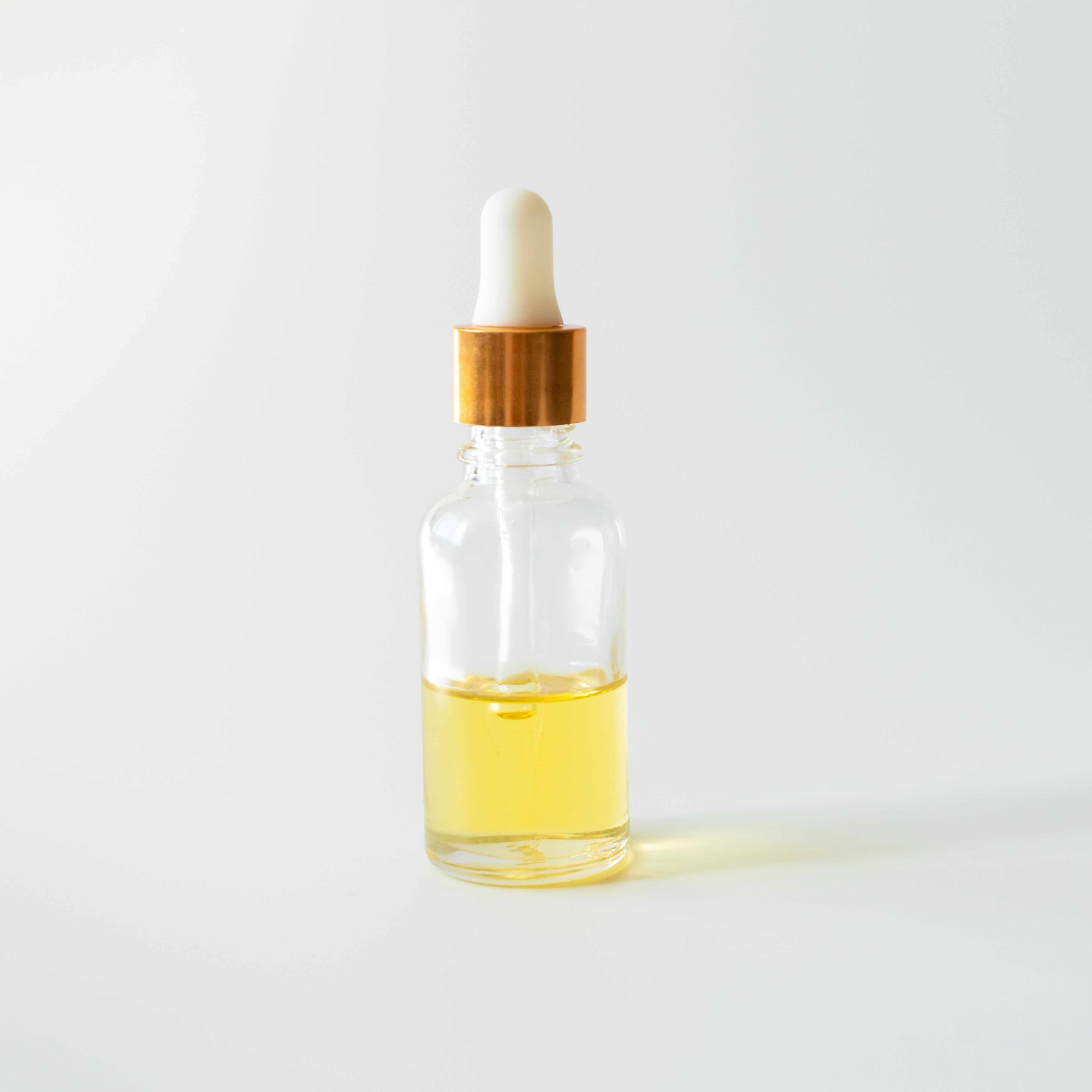 How to treat dry lips - Bottle of soothing oils