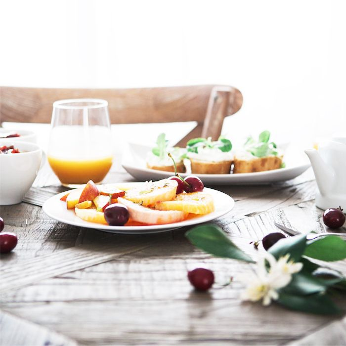 The 16:8 diet: table with healthy food