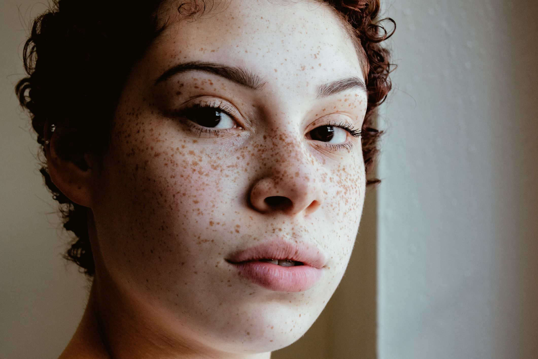 The 12 Best Foundations For Freckles Of