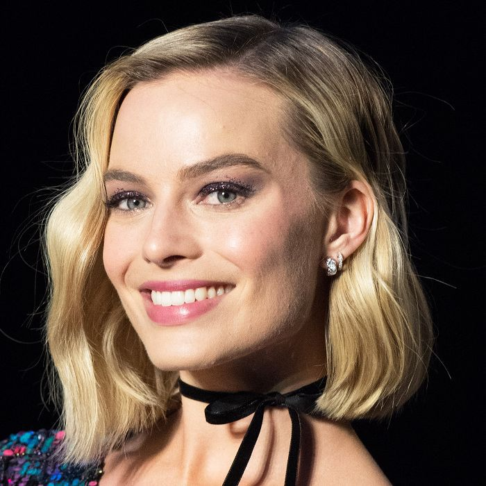Pati Dubroff makeup tips: Margot Robbie with glittery eye shadow