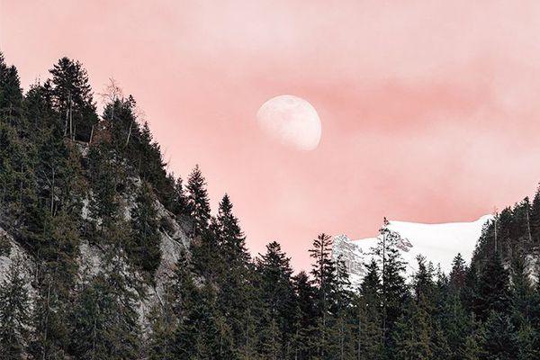 Moon ritual: pink sky and full moon