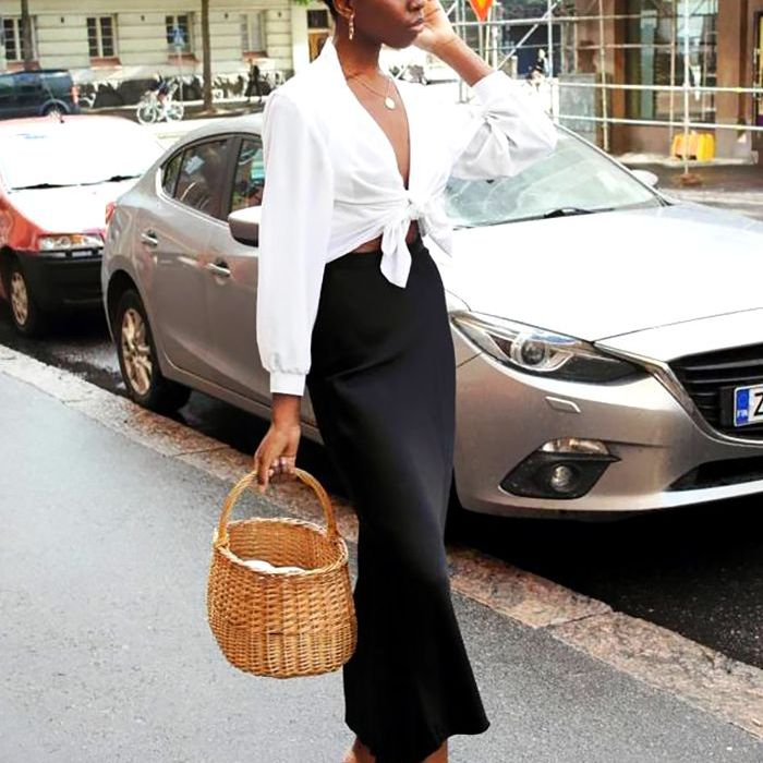 How to Tie a Button-up Shirt Into a Crop Top