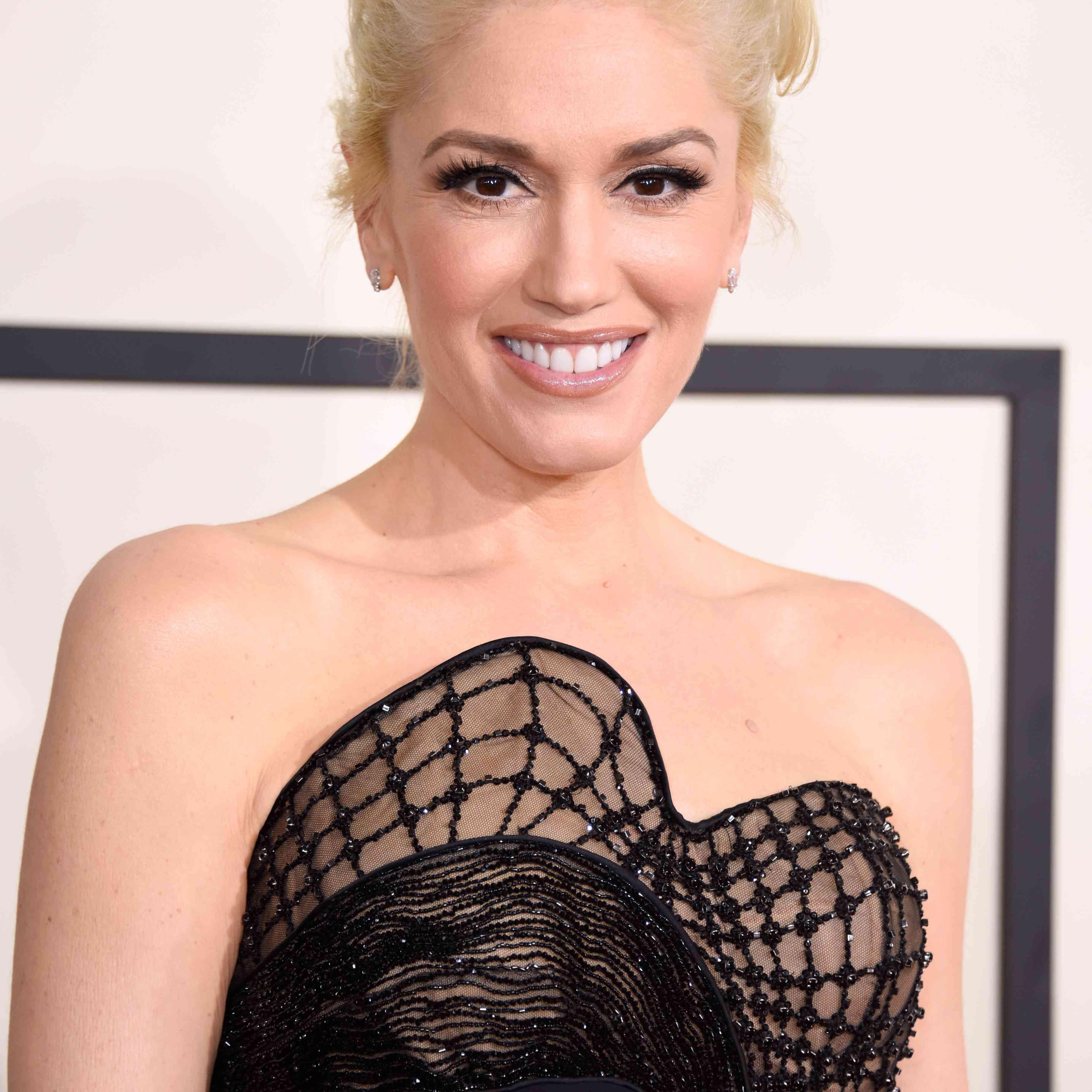 Gwen Stefani Blonde Hair