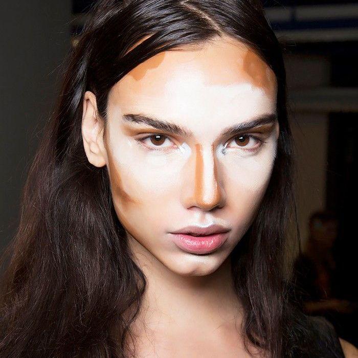 Model wearing unblended contour