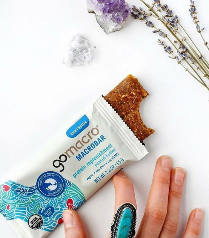 How to get rid of bloating: protein bar