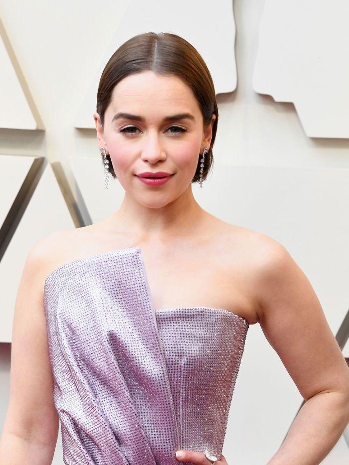 Emilia Clarke makeup