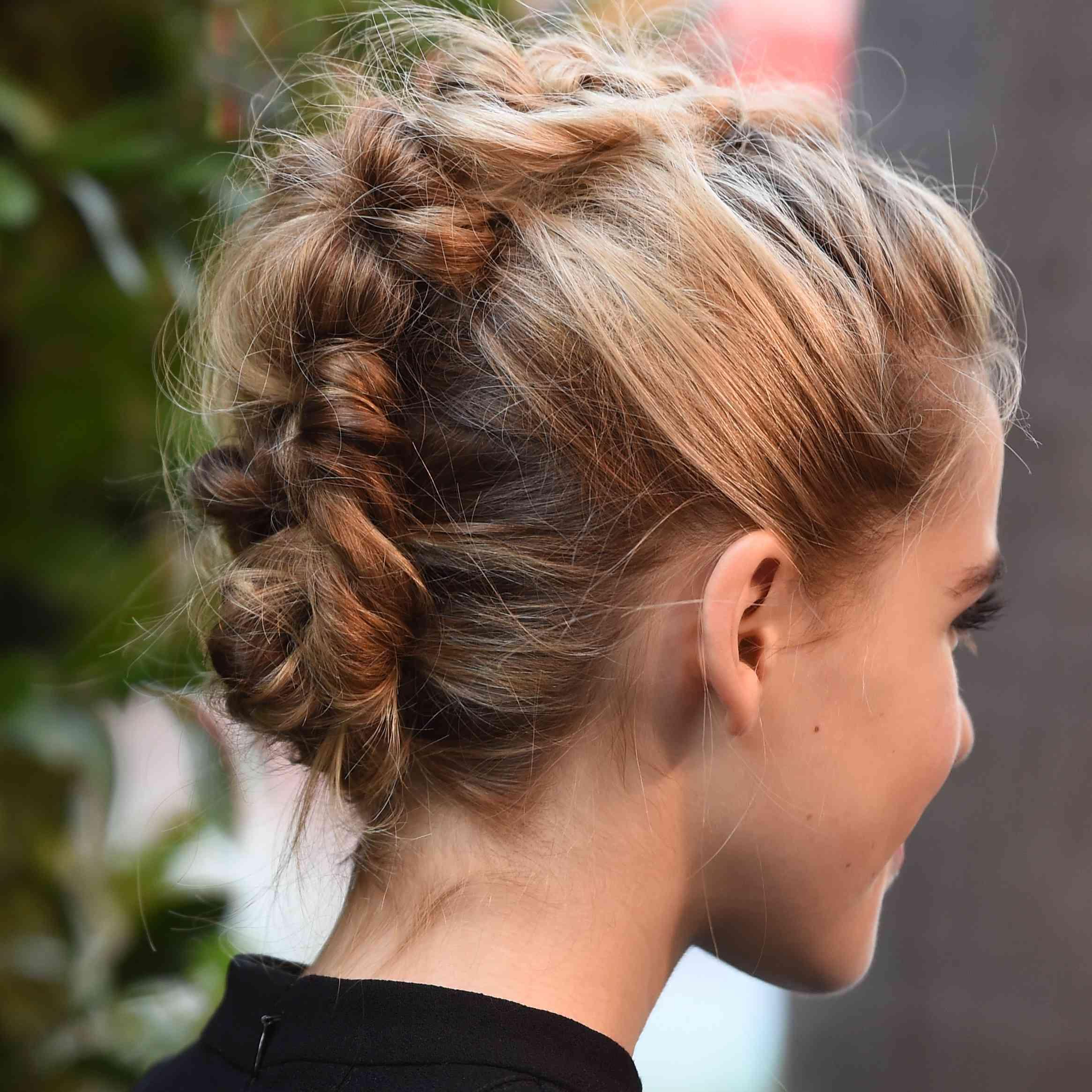9 Bridesmaid Hairstyles For Short Hair