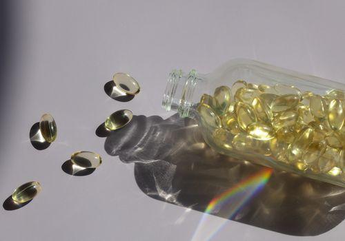 vitamin e capsule pills