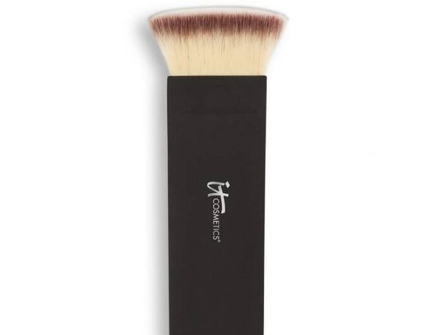 The 12 Best Contour Brushes Of 2021