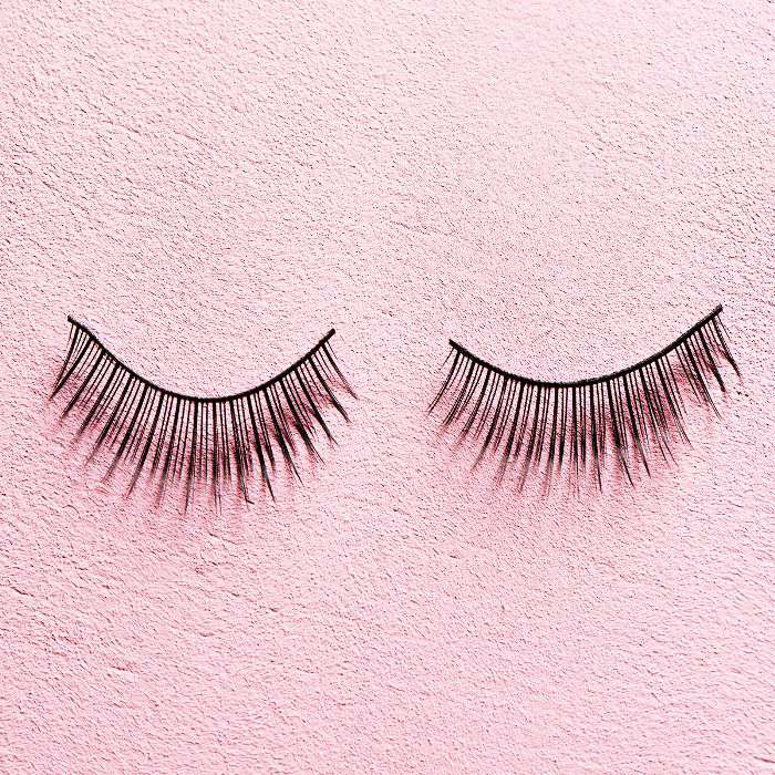f011e73b12f The Pros and Cons of Eyelash Extensions