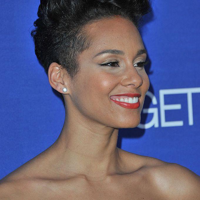 Alicia Keys curly pixie