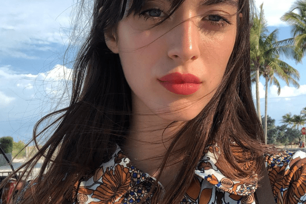 Model Louise Follain