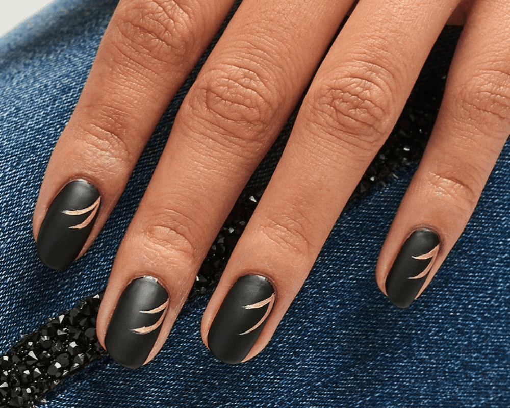 4 Ways to Turn Regular Nail Polish Into Matte Nail Polish