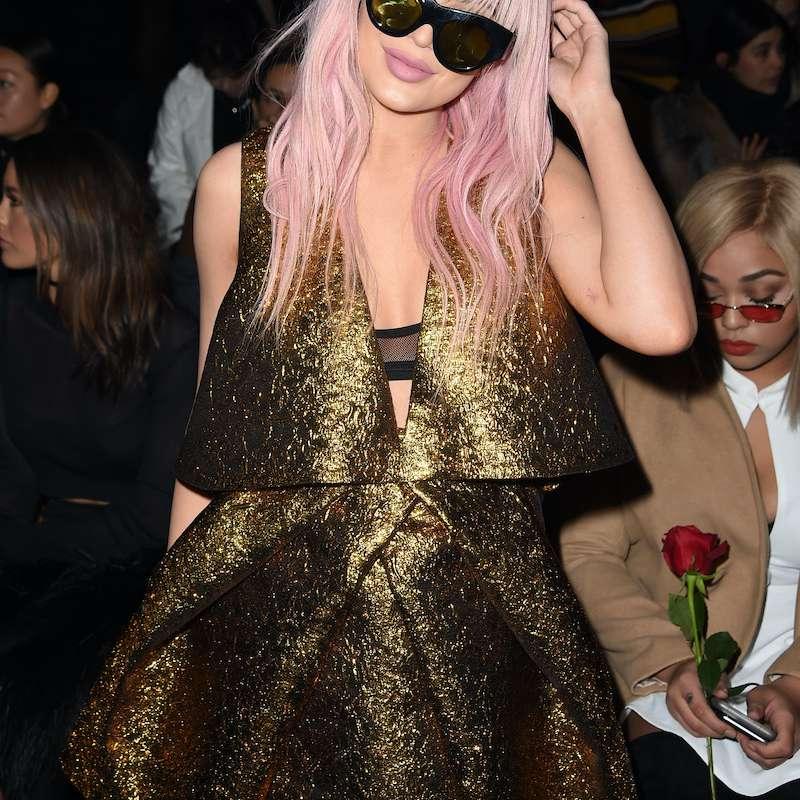 Kylie Jenner pink wig feb 2016