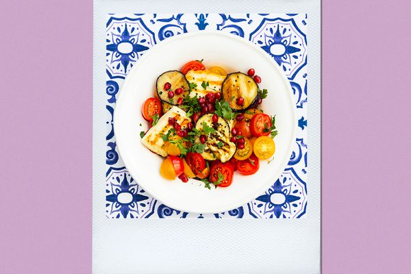 Volumetric Diet Guide- Vegetable Salad with Halloumi and Pomegranate